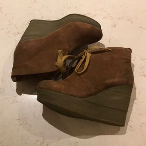 Sbicca vintage collection suede wedge booties